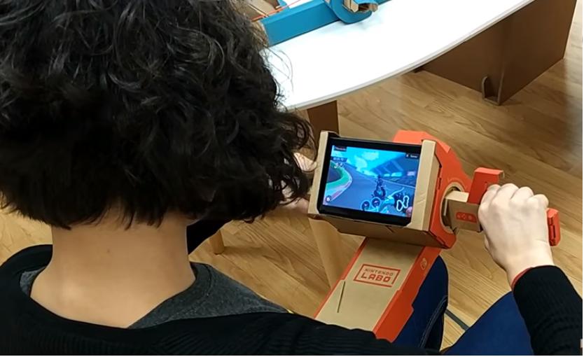 Nintendo Labo en familia Moto