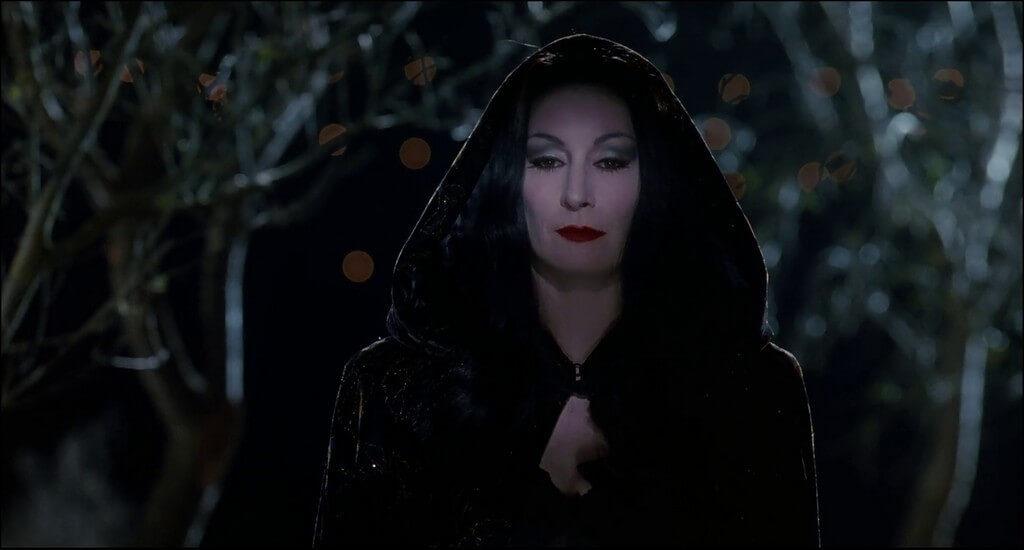 cine familiar brujas Halloween para niños Familia Addams