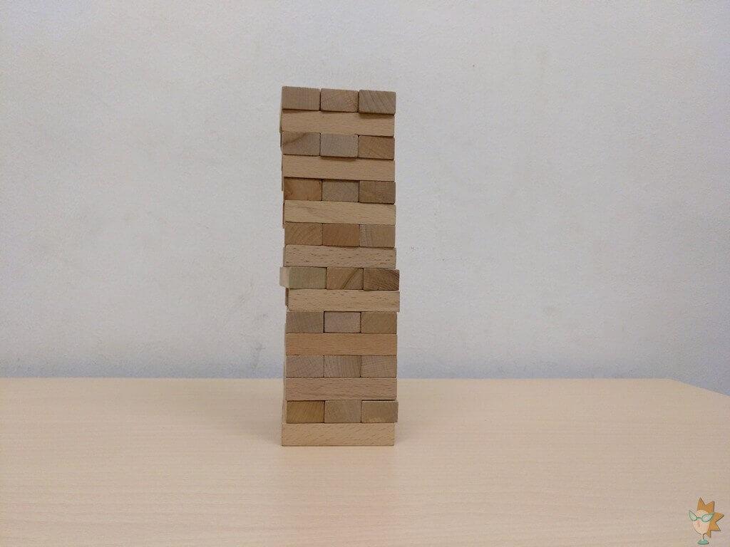 cómo se juega Jenga clásico juego torre de maderas