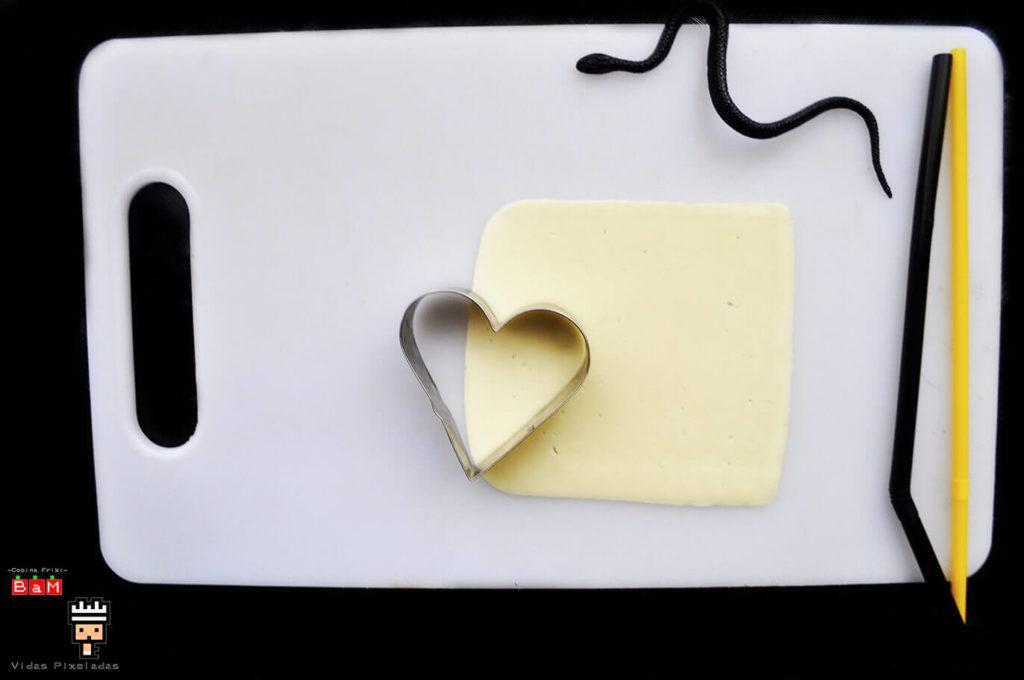Fantasma de queso con molde de corazón 1