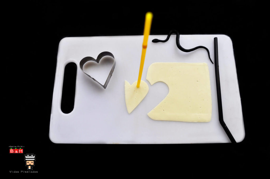 Fantasma de queso con molde de corazón 2
