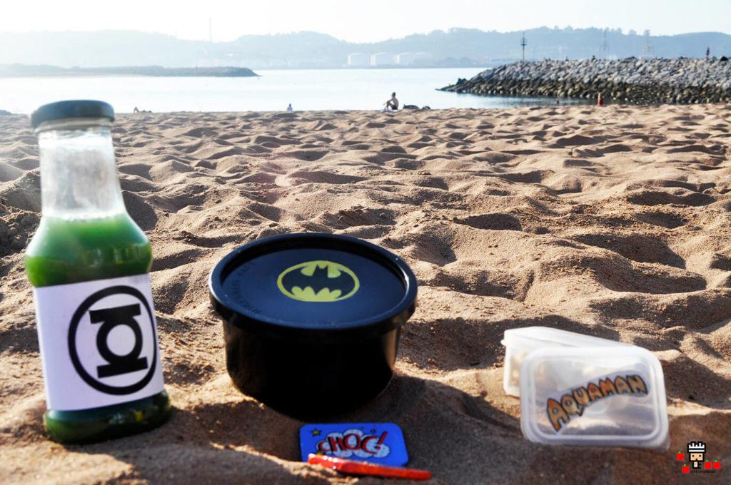 libro de recetas de superheroes para niños y tuppers para llevar a la playa