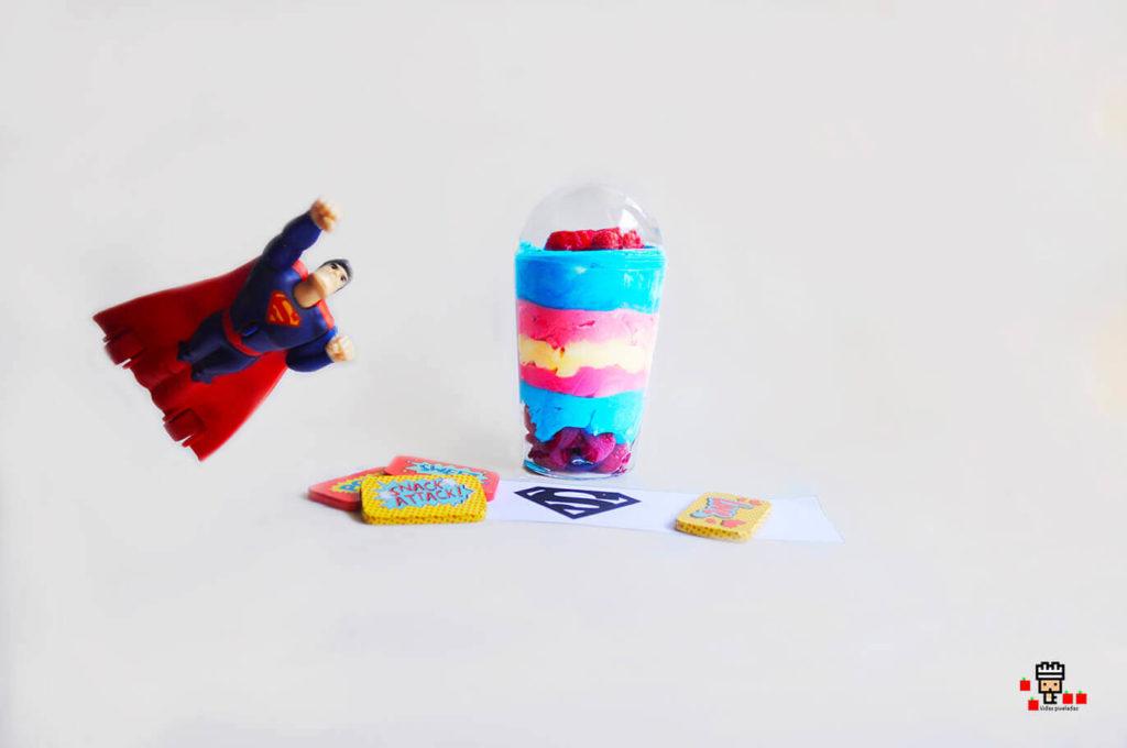 Receta copa yogur Superman para niños