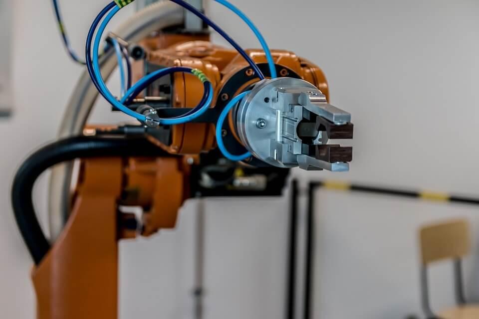 brazo robótico sensores y actuadores