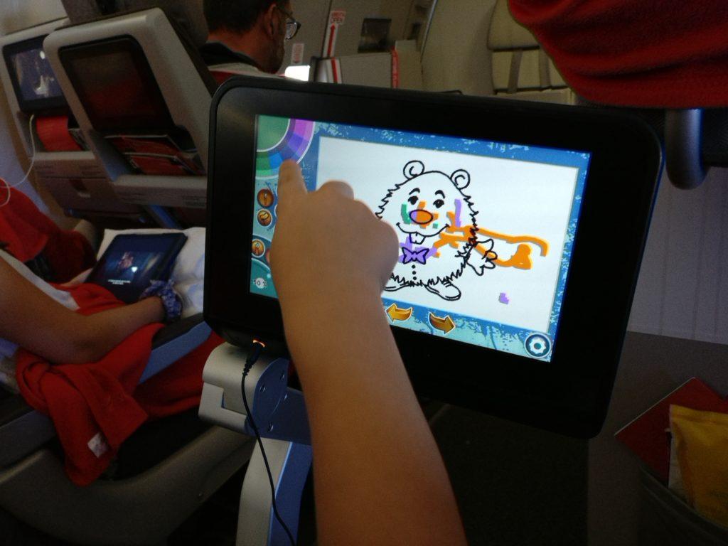 Tablet o dispositivos electrónicos para viajar con niños