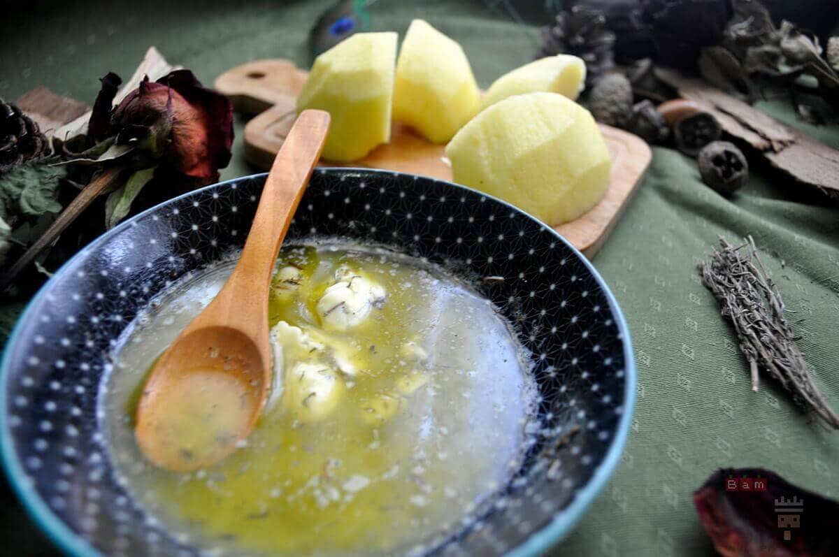 Primer plano de la salsa de mantequilla