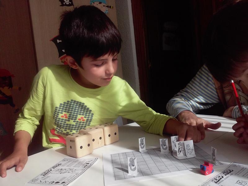 sistema y mecánica juego de rol Hero Kids