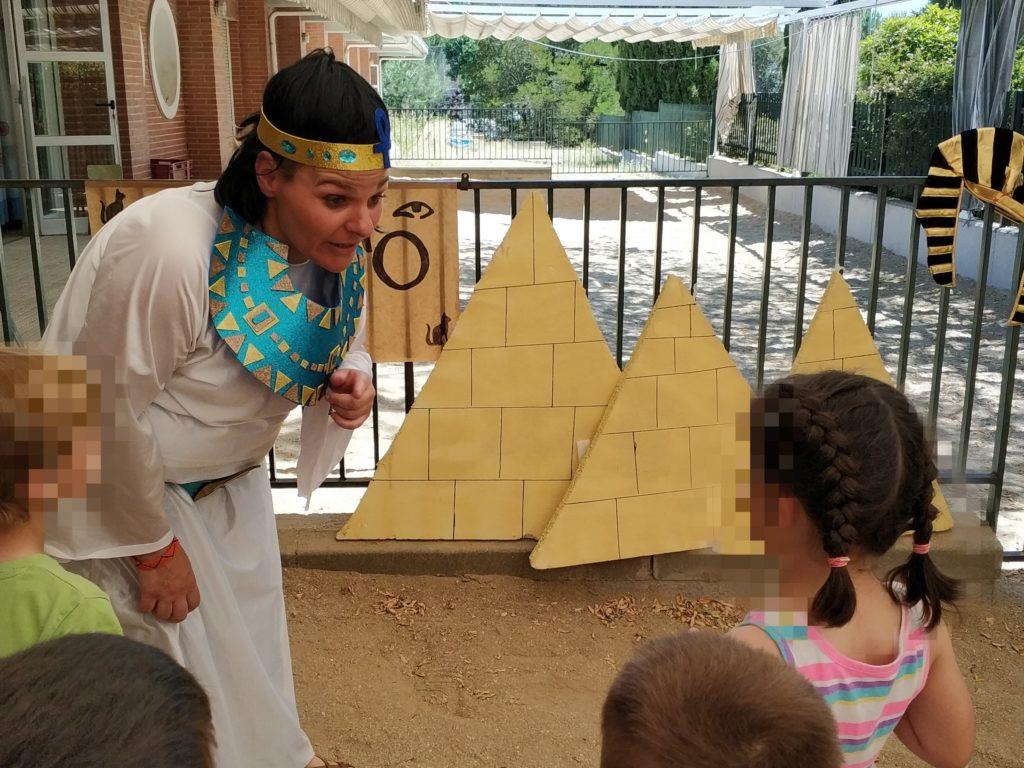 rol en vivo Egipto con niños