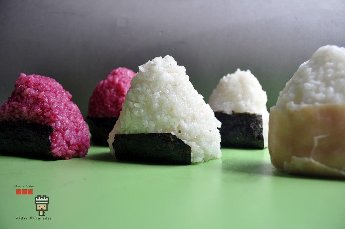 recetas inspiradas en Zelda para hacer onigiris de colores como estos