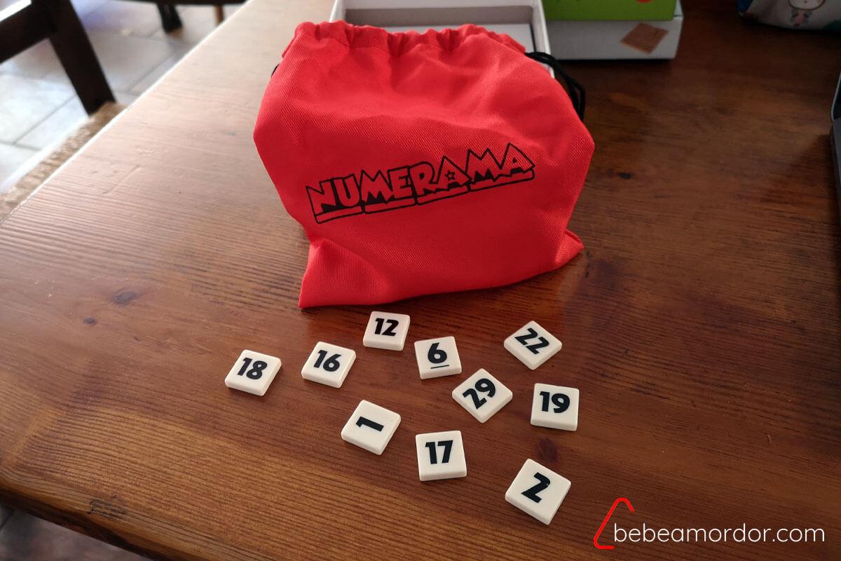 Bolsa y fichas de números
