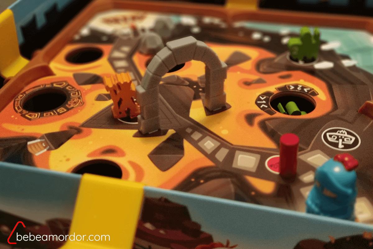 Guardia numerado y villano en Slide Quest