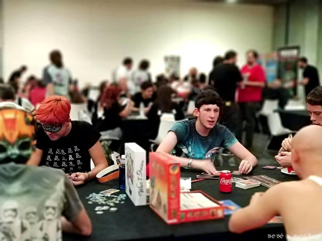 juegos de mesa adolescentes, jóvenes, niños y mayores