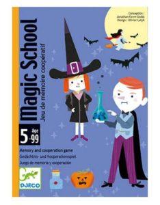 portada caja juego de cartas Magic School