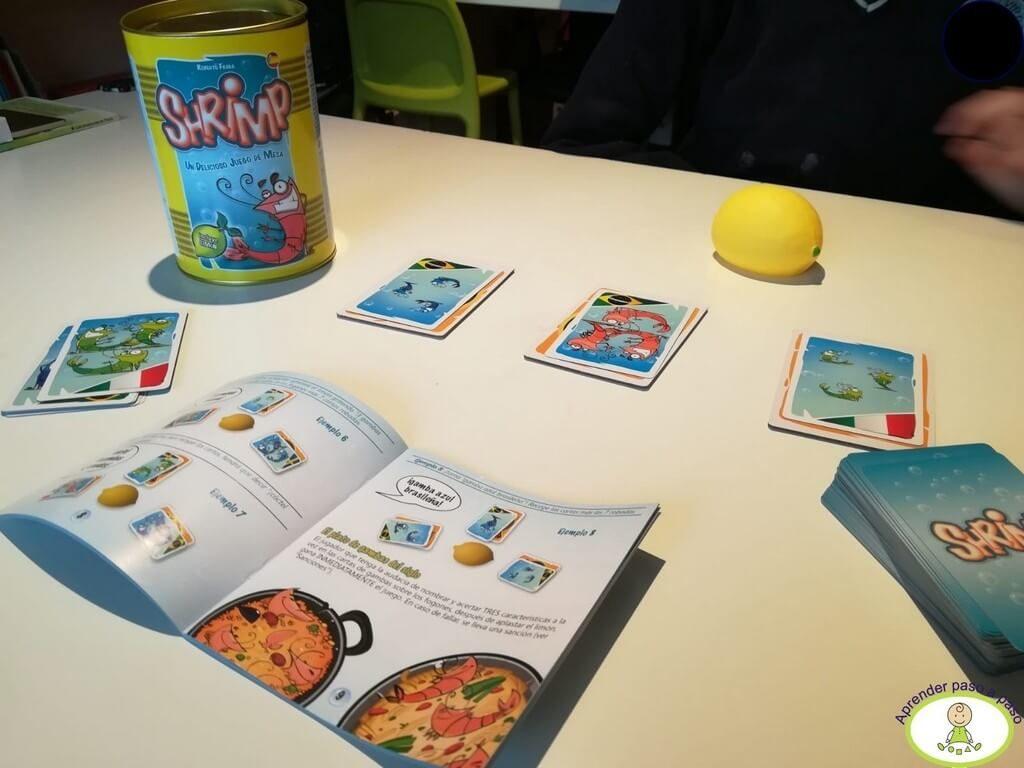 jugando en el despacho de Aprender Paso a Paso al juego de mesa Shrimp de Mercurio