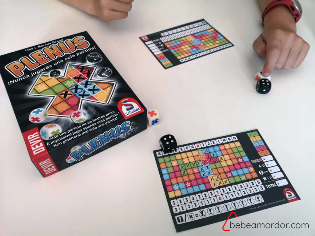 juego de mesa de roll and write plenus