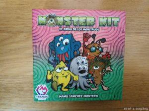 CAJA juego de mesa Monster Kit