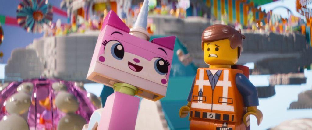 La LEGO PElícula personajes heroe Emmet y Unikitty