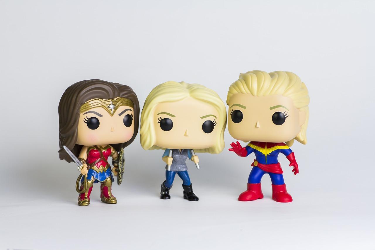 Wonder Woman, Capitana Marvel y Agente 13 personajes frikis super heroinas Marvel y DC