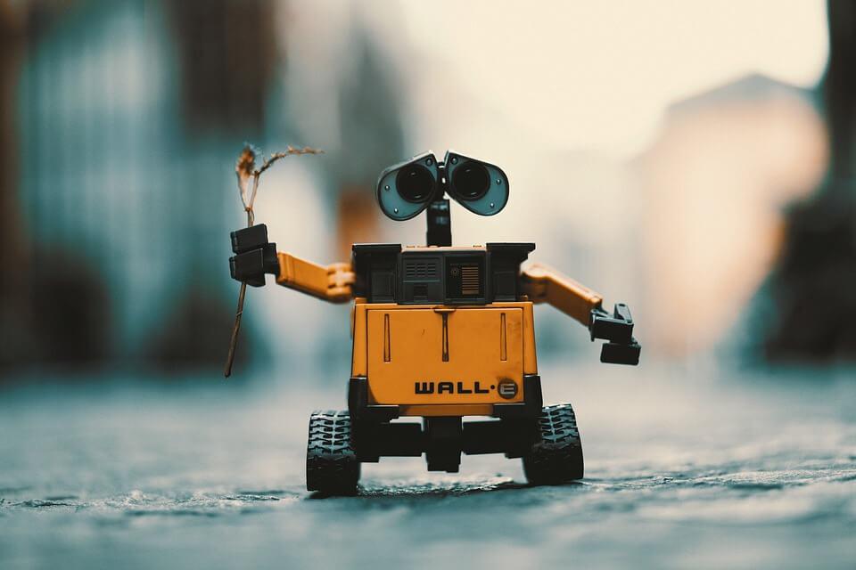 ROBOT WALL-E con sensores y actuadores y decision