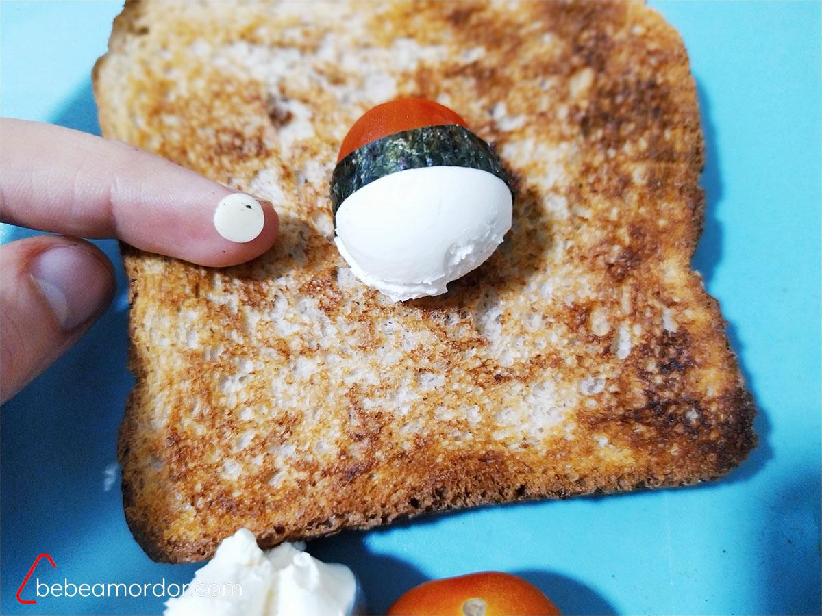 Pokeball tostada desayuno friky