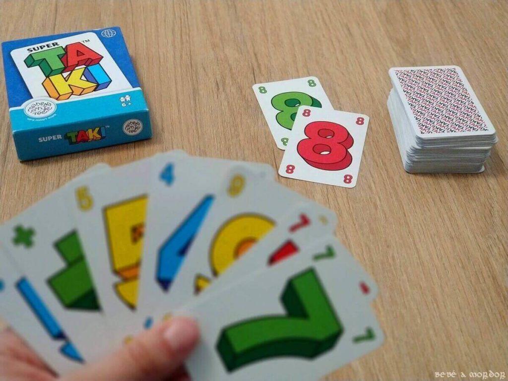 cómo se juega juego de cartas Super TAKI