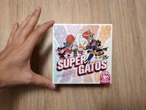 caja juego de mesa Súper Gatos Tranjis Games.