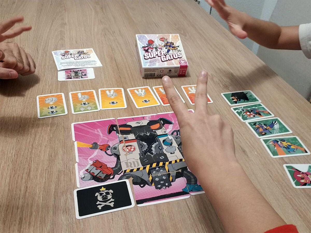 juegos de mesa para trabajar la teoría de la mente Súper Gatos