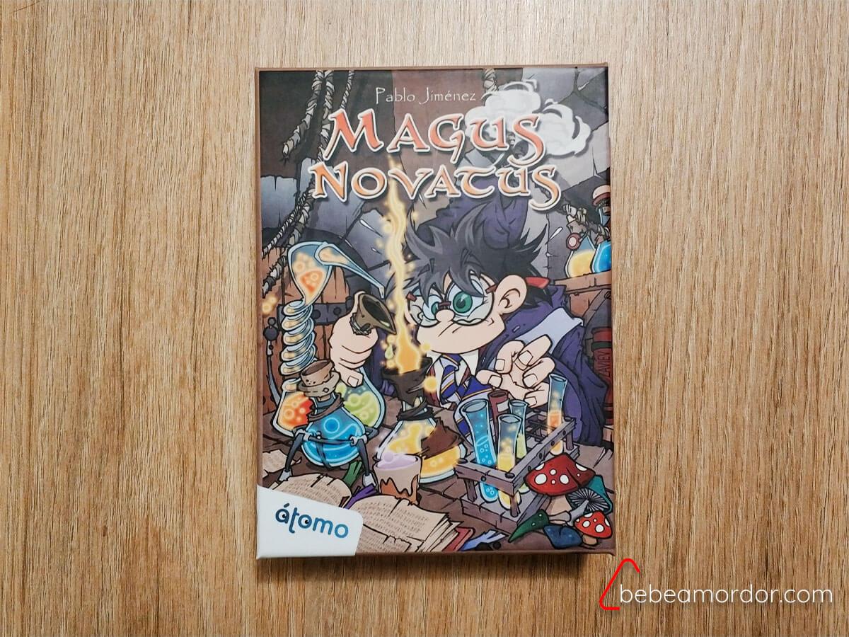 caja juego de Magus Novatus Átomo