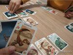 FOTO_1_-_jugando_al_juego_de_mesa_¡Extinción!