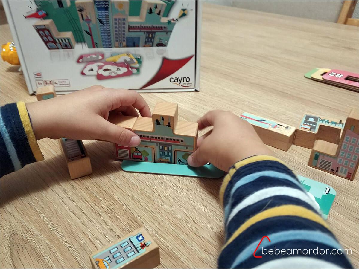juego de mesa solitario skyline